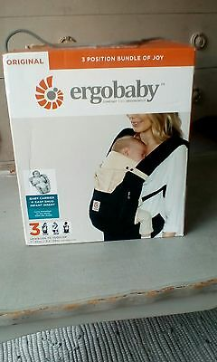 Ergobaby Original 3 Position Bundle Of Joy Baby Carrier + Infant Insert