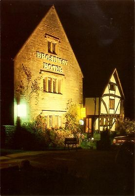 Broadway Hotel - The Green - Broadway - Worcestershire - Postcard