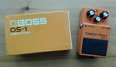 Boss DS1 Japan 1982 Distortion guitar effects pedal Vintage MIJ