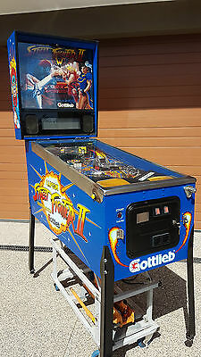 Streetfighter 2 Pinball Machine / Official Capcom Licence in very Good Condition
