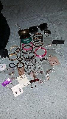 joblot jewellery. sunglasses and hair stuff.