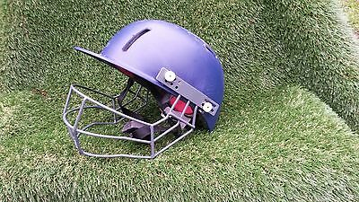 Gunn and Moore Purist Pro Helmet and Grill. Size Junior 54-59cms. Used.