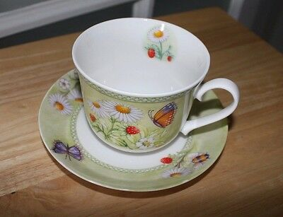 DELIGHTFUL MEADOWLAND PATTERNED ROY KIRKHAM CUP and SAUCER - Fine Bone China