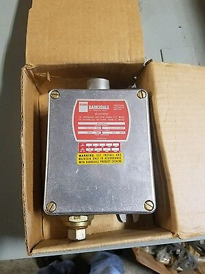 Barksdale Pressure Actuated Switch B1T-H12 New