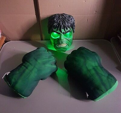 Marvel Incredible Hulk Smash Hands Punching Boxing Gloves talking smash em