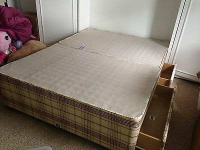 Double bed divan base with 4 drawers slumberland for Double divan bed with four drawers
