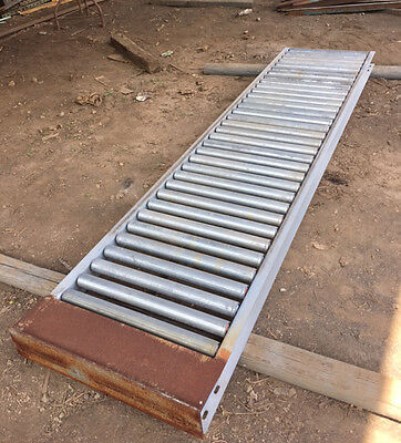 "25"" Gravity Roller Conveyor, 9 ft sections"