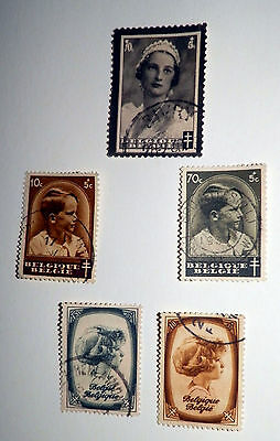 A Collection of  4 lots of Belgium Stamps,1919 to 1953, used.# 30 31 32 & 27..