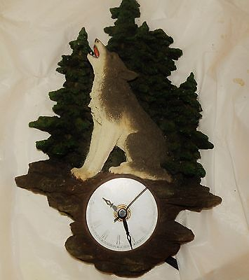 2002 Westland Giftware Call of The Wolf Figurine Full Moon Wall Clock