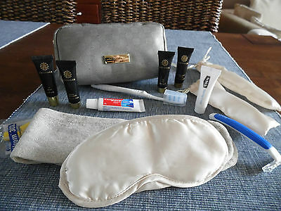 OMAN AIR OMANAIR Business Class AMOUAGE Amenity Kit Neceser Trousse Kulturbeutel