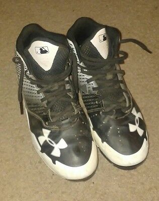 Under armour baseball cleats youth size 5Y