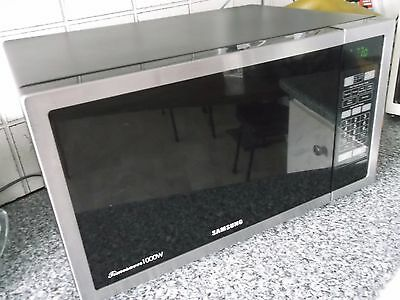 Samsung Time Saver 1000w Microwave oven in Seaford