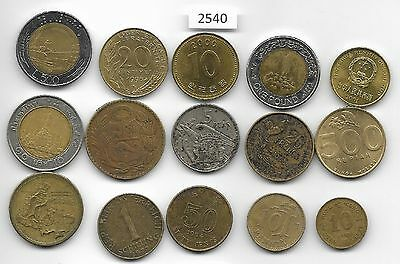 World x 15 Mixed  Coins all Differant Goldi Coloured