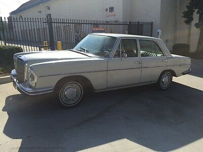 1967 Mercedes-Benz 200-Series 250SE 1967 Mercedes 250SE W108 CA Black Plates