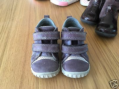 Toddler/ baby girl ecco trainers size 20/4g leather