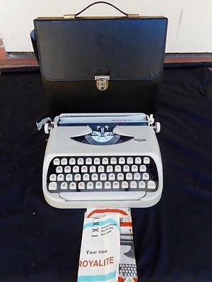 c.1950's Vintage Soft Cream Coloured Royal Royalite 110 Typewriter Perf. Working