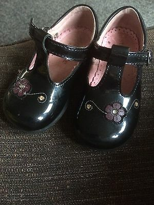 Girls Shoes Size 4.5 F