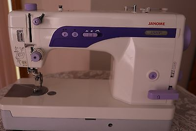 sewing machines janome 1600P