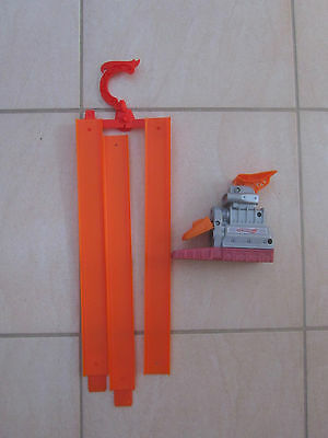 HOT WHEELS Slam Blast Launcher T2538 + 3 Straight Track Sections & 2 Joiners