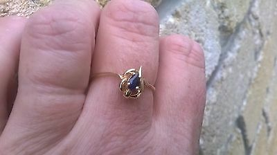 Stunning 9ct Yellow Gold Sapphire Ring size R 1/2