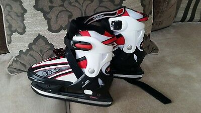 Boys /Girls Ice Skates Adjustable Size 4 -7 37-40 Worn Once With Blade Guards