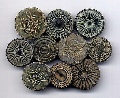 *LORACWIN* Fantastic lot 10 bronze buttons with decoration, oversize,17th cent.