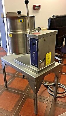 Cleveland KET-6-T Electric 6 Gallon Tilting Steam Jacketed Kettle With SS Table