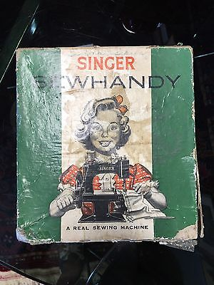 CHILDS Vintage Singer Sewhandy sewing machine Model No. 20 black in box.