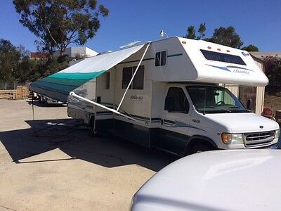 2002 30' Class C Holiday Rambler with Slide Out