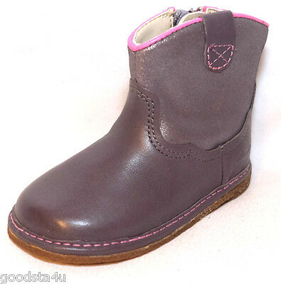 "Clarks Girls "" FLORA WEST"" Anthracite Leather Boots size 5.5F.New"