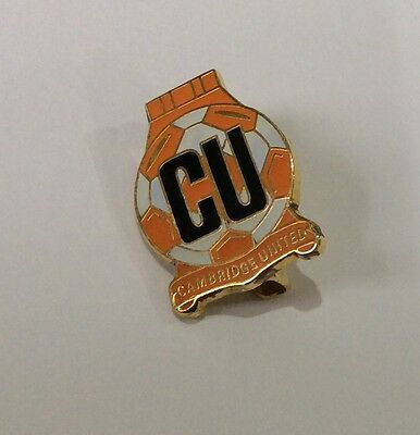 CAMBRIDGE UNITED Football Club Badge FC Enamel Supporters Pin. 1