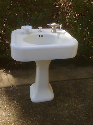 Antique 1928 Vintage Cast Iron Oval Pedestal Sink Porcelain U0026 Brass Fixtures