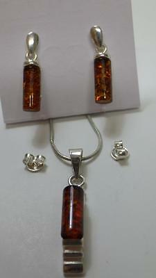 "Pretty Sterling Silver Amber Pendant & Earring Set 16"" Chain"