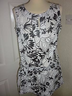 Ladies Black/White Long Top size 12 by Marks & Spencer