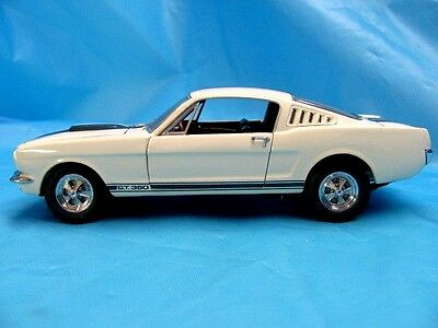 Franklin Mint 1965 Shelby GT-350 Mustang 1:24 Scale Diecast Model Muscle Car