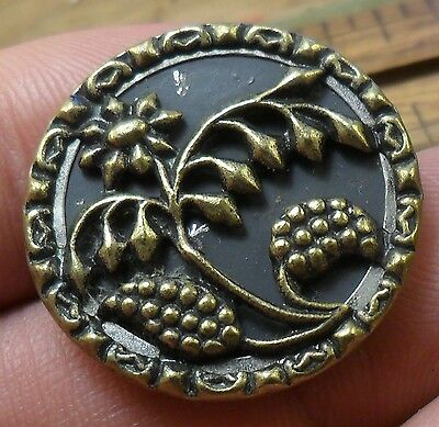 "WOW 1 1/16"" Plant with Berries Metal Antique Button 437:12"