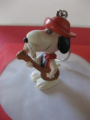 Snoopy With Guitar  Figurine   Key Ring
