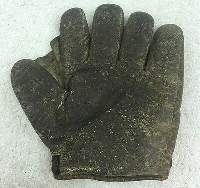 Antique Baseball Glove Webbing measures 3in Stall+Dean
