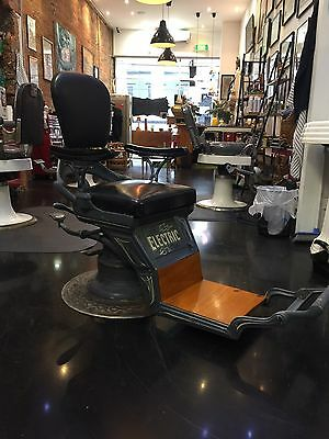 Vintage Retro Barber Chair Kustom