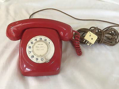 Retro Vintage Telephone - Bright Red Rotary Dial In Ex Cond. With Dial Tone