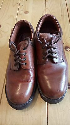 Ellesse size 9 brown leather walking shoes