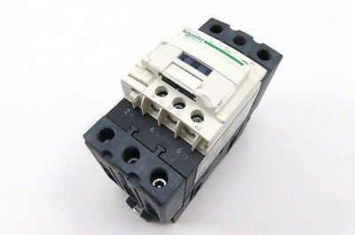 Schneider Electric LC1D40A Contactor 60 Amp