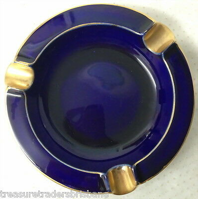 ✿•*¨*•✿ Vintage Crown Devon Cobalt Blue England Ash Tray 3247