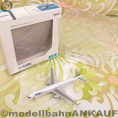 HERPA - 506977 - 1:500 - Air Baltic Boeing 757-200 mit winglets - OVP -  #Q5499