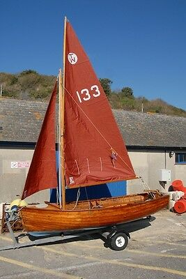 Tideway sailing dinghy classic clinker wooden boat