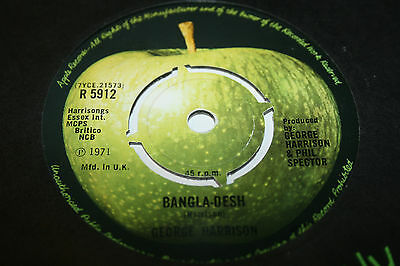 GEORGE HARRISON bangladesh. uk 45 1st press Apple R 5912 w/Apple bag. nr mint