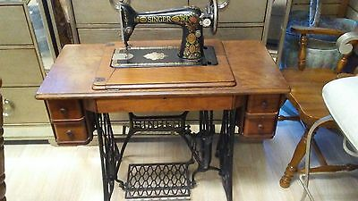 Vintage 1910 Singer Treadle Sewing Machine Cast Iron Base Table Legs Industrial