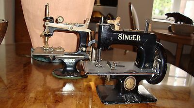 Vintage Singer Sewing Machines (2)