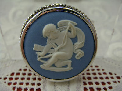 Vintage Angel Blue White Wedgwood Sterling Silver Round Pin Brooch Pendant