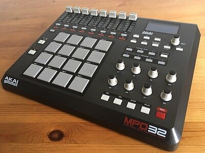 Akai MPD32 USB/Midi Pad Controller - Good working order, with 2 x PSUs and cable